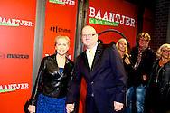AMSTERDAM - In de DeLaMar theater is de premiere van de musical Baantjer. Met hier op de foto  Ruud de Graaf met zijn partner Margreet Duin. FOTO LEVIN DEN BOER - PERSFOTO.NU