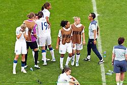 09.07.2011, FIFA Frauen-WM-Stadion Leverkusen, Leverkusen, GER, FIFA Women Worldcup 2011, Viertelfinale, England (ENG) vs. Frankreicht (FRA), im Bild:  England entaeuscht / entäuscht / traurig.. // during the FIFA Women´s Worldcup 2011, Quaterfinal, England vs France on 2011/07/09, FIFA Frauen-WM-Stadion Leverkusen, Leverkusen, Germany.   EXPA Pictures © 2011, PhotoCredit: EXPA/ nph/  Mueller *** Local Caption ***       ****** out of GER / CRO  / BEL ******