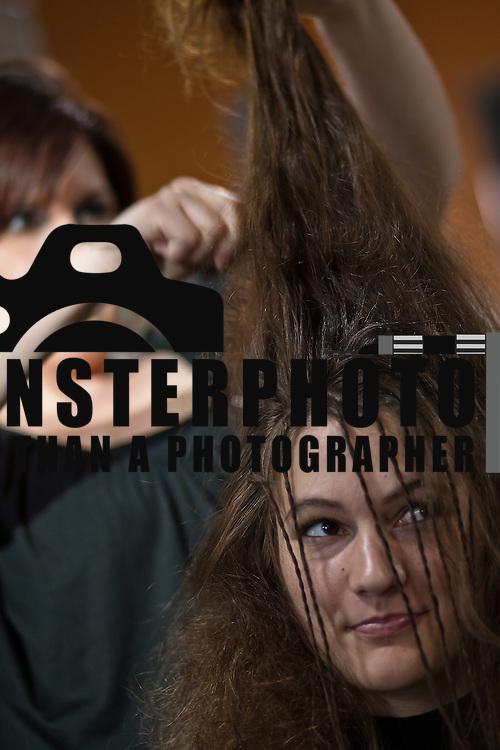 Model Amanda Nickson get her hair done by stylist Ashley