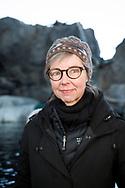Den finska marinbiologen Tuula Hollmén har bott i Alaska i 15 år och forskat på klimatförändringarnas påverkan på det marina livet i området. Under denna tid har hon med egna ögon kunnat se hur glaciärerna smälter och ekosystemen rubbas.<br /> Alaska SeaLife Center, Seward, Alaska, USA