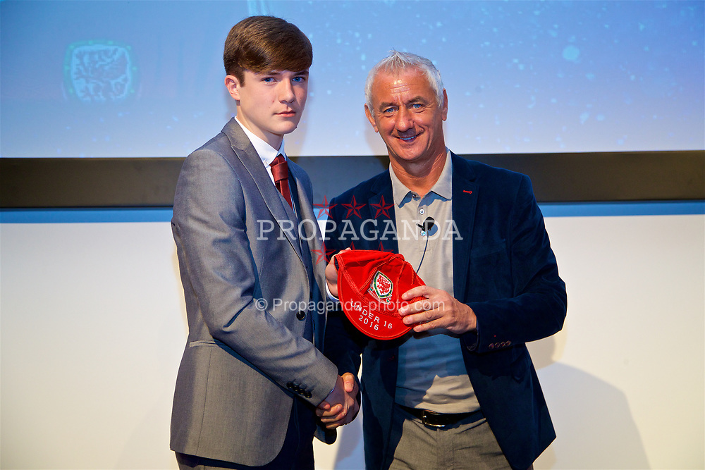 NEWPORT, WALES - Saturday, May 27, 2017: Morgan Boyes receives his Under-16 Wales cap from Wales' Elite Performance Director Ian Rush at the Celtic Manor Resort. (Pic by David Rawcliffe/Propaganda)