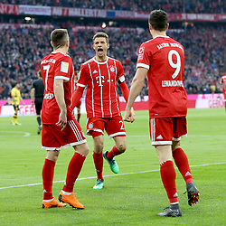 31.03.2018, Allianz Arena, Muenchen, GER, 1. FBL, FC Bayern Muenchen vs Borussia Dortmund, 28. Runde, im Bild Franck Ribery (FC Bayern Muenchen #7) Thomas Mueller (FC Bayern Muenchen #25) Robert Lewandowski (FC Bayern Muenchen #9) // during the German Bundesliga 28th round match between FC Bayern Munich and Borussia Dortmund at the Allianz Arena in Muenchen, Germany on 2018/03/31. EXPA Pictures © 2018, PhotoCredit: EXPA/ Eibner-Pressefoto/ Harry Langer<br /> <br /> *****ATTENTION - OUT of GER*****