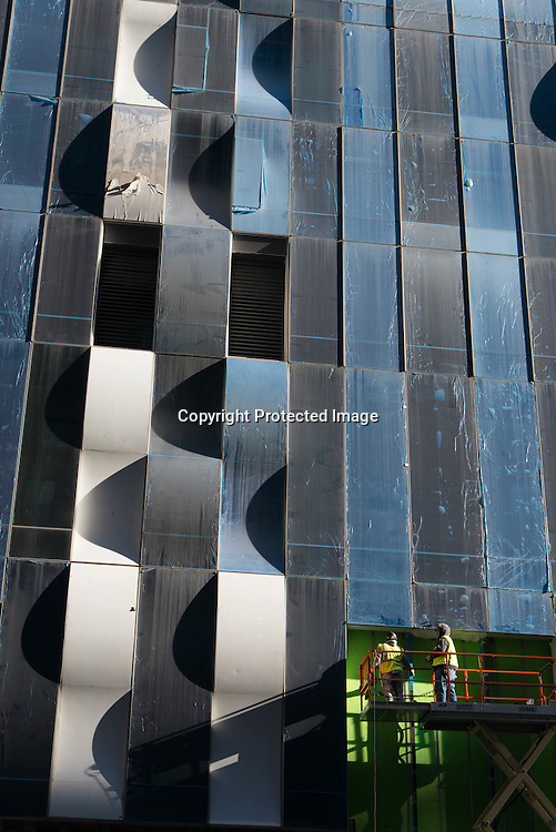 New York. Carnegie 57 , the biggest residence tower in Manhattan under construction. by the  french Architect Portzamparc