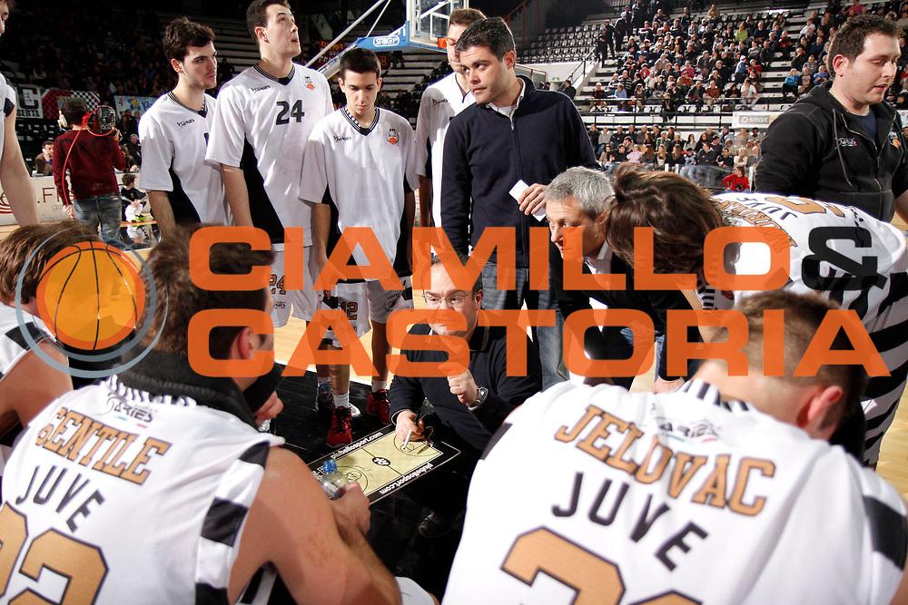 DESCRIZIONE : Caserta Lega A 2012-13 Juve Caserta ACEA Virtus Roma<br /> GIOCATORE : Stefano Sacripanti<br /> CATEGORIA : ritratto timeout<br /> SQUADRA : Juve Caserta<br /> EVENTO : Campionato Lega A 2012-2013 <br /> GARA : Juve Caserta ACEA Virtus Roma<br /> DATA : 24/02/2013<br /> SPORT : Pallacanestro <br /> AUTORE : Agenzia Ciamillo-Castoria/A. De Lise<br /> Galleria : Lega Basket A 2012-2013  <br /> Fotonotizia : Caserta Lega A 2012-13 Juve Caserta ACEA Virtus Roma