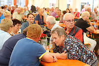 Mannheim. 15.07.17 | Neue Kerwe In Wallstadt<br /> Wallstadt. Marktplatz am Rathaus. Die Neue Kerwe. Mit buntem Programm. Er&ouml;ffnung am Samstag Mittag.<br /> &bdquo;Die Neue Kerwe&ldquo; &ndash; Stadtteilfest&ldquo; steht unter dem Motto:<br /> &bdquo;Gege Hunger un Doascht helfe Bier und Woascht&ldquo;.<br /> <br /> BILD- ID 0113 |<br /> Bild: Markus Prosswitz 15JUL17 / masterpress (Bild ist honorarpflichtig - No Model Release!)