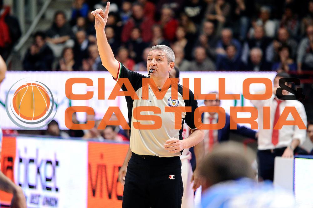 DESCRIZIONE : Varese Lega A 2014-2015 Openjob Metis Varese Banco di Sardegna Sassari<br /> GIOCATORE : Luigi Lamonica arbitro<br /> CATEGORIA : arbitro<br /> SQUADRA : arbitro<br /> EVENTO : Campionato Lega A 2014-2015<br /> GARA : Openjob Metis Varese Banco di Sardegna Sassari<br /> DATA : 26/12/2014<br /> SPORT : Pallacanestro<br /> AUTORE : Agenzia Ciamillo-Castoria/Max.Ceretti<br /> GALLERIA : Lega Basket A 2014-2015<br /> FOTONOTIZIA : Varese Lega A 2014-2015 Openjob Metis Varese Banco di Sardegna Sassari<br /> PREDEFINITA :