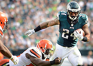 Philadelphia Eagles Ryan Mathews #24 runs with the ball in the fourth quarter against the Cleveland Browns Sunday, September 11, 2016 at Lincoln Financial Field in Philadelphia, Pennsylvania.  (Photo by William Thomas Cain)