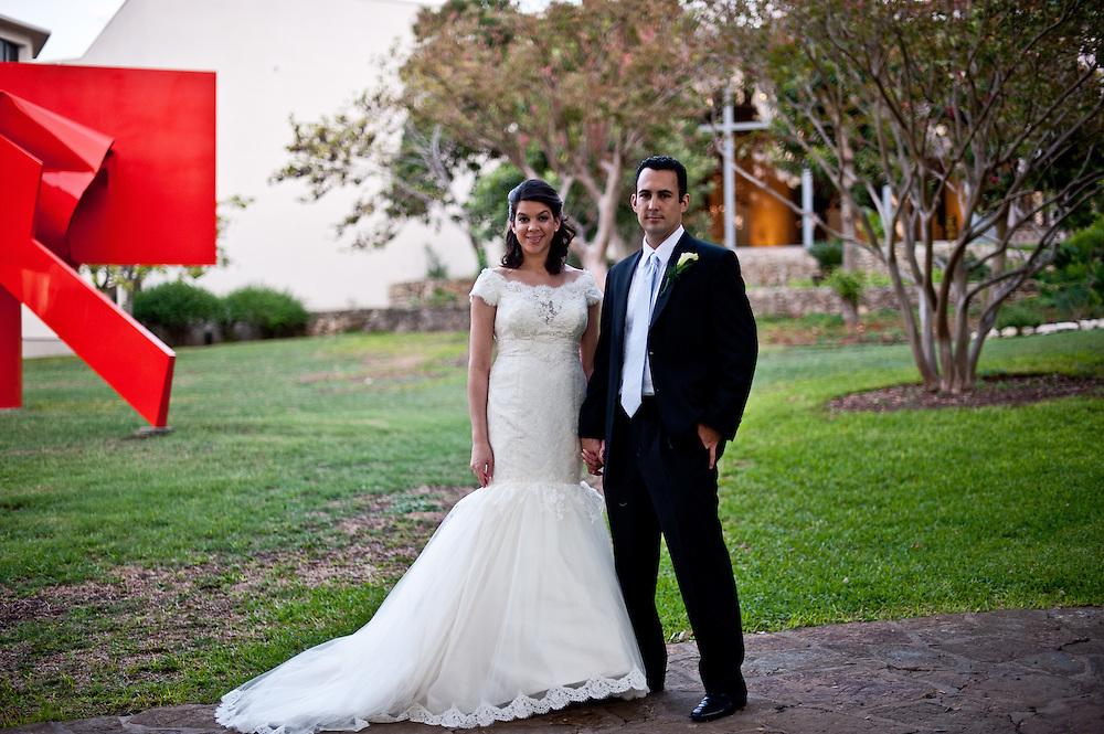 10/9/11 7:06:45 PM -- Zarines Negron and Abelardo Mendez III wedding Sunday, October 9, 2011. Photo©Mark Sobhani Photography