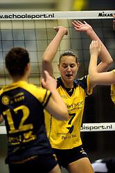 29-01-2011 VOLLEYBAL: TVC AMSTELVEEN - PEELPUSH: AMSTELVEEN<br /> Gelegenheidsteam TVC wint met 3-0 van Peelpush / Petri Monsewije<br /> &copy;2011-WWW.FOTOHOOGENDOORN.NL