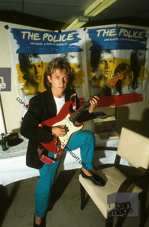Andy Summers backstage LA - The Police -1980
