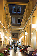 Turkey. Istanbul.covered passage  in  istiklal avenue, main street of the modern city / Istamboul passage couvert sur l Avenue Istiklal