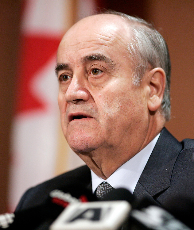 LONDON, MARCH 8, 2010  --  Ontario Provincial Police Commissioner Julian Fantino speaks to the media at a press conference in London, Ontario following the shooting  of OPP Constable Vu Pham near Seaforth, 1 hour north of London, March 8, 2010.<br /> (GEOFF ROBINS for National Post)