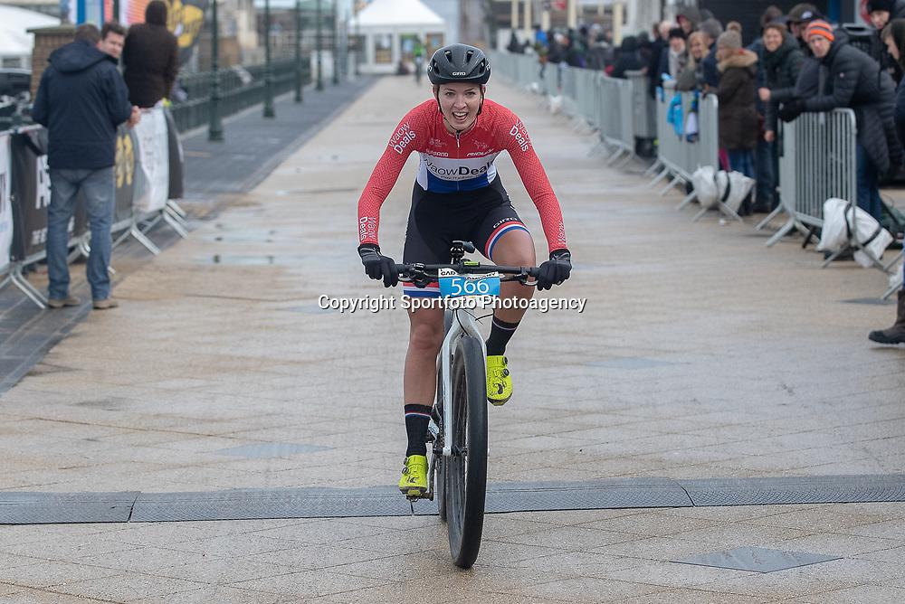 09-12-2018: Wielrennen: EK beachrace: Scheveningen<br /> Paulina Rooijakkers pakt haar tweede Europese titel op het strandt