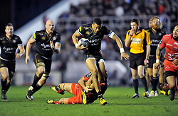 Anthony Watson of Bath Rugby takes on the Toulon defence - Mandatory byline: Patrick Khachfe/JMP - 07966 386802 - 10/01/2016 - RUGBY UNION - Stade Mayol - Toulon, France - RC Toulon v Bath Rugby - European Rugby Champions Cup.