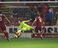 Dundee keeper Scott Bain saves from Aberdeen&rsquo;s Adam Rooney - Aberdeen v Dundee in the Ladbrokes Scottish Premiership at Pittodrie, Aberdeen - Photo: David Young, <br /> <br />  - &copy; David Young - www.davidyoungphoto.co.uk - email: davidyoungphoto@gmail.com
