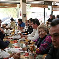 Toluca, Mex.-Esmeralda de Luna Sánchez líder de la Confederación Nacional de Asociaciones y Organizaciones Comerciales (CONASOC) en la cual se encuentran albergadas 20 organizaciones con un total de 7200 agremiados, señalo que en próximos días tendrán una manifestación exigiendo a Juan Rodolfo Sánchez Gómez, presidente municipal de Toluca cumpla con las promesas respecto  al predio que hoy ocupan en Palmillas, en donde fueron instalados los comerciantes del Mercado Juárez. Agencia MVT / Crisanta Espinosa. (DIGITAL)<br /> <br /> <br /> <br /> NO ARCHIVAR - NO ARCHIVE