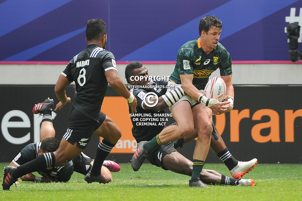 Ruhan Nel of South Africa goes to score a try during the Semi Final match between New Zealand and South Africa at the HSBC Paris Sevens, stage of the Rugby Sevens World Series at Stade Jean Bouin on June 10, 2018 in Paris, France. (Photo by Sandra Ruhaut/Icon Sport)