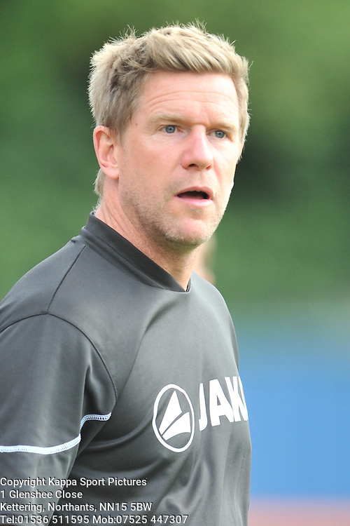 Darren Edmondson Manager Bradford AFC, Braintree Town v Barrow AFC, Avanti Stadium Braintree, Vanarama National League, Saturday, 12th September 2015. Braintree Town v Barrow AFC, Avanti Stadium Braintree, Vanarama National League, Saturday, 12th September 2015.