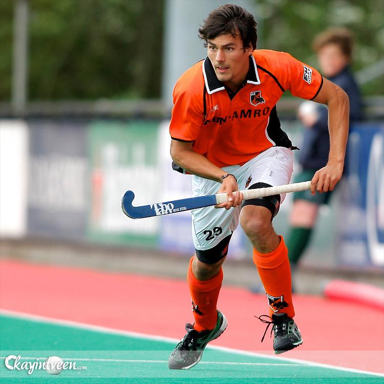 ROTTERDAM - Rotterdam - Oranje Zwart, Hoofdklasse hockey play-offs om 3e plek, Seizoen 2010-2011, 22-05-2011, Sportpark Hazelaarsweg,  Simon Gougnard van Oranje Zwart