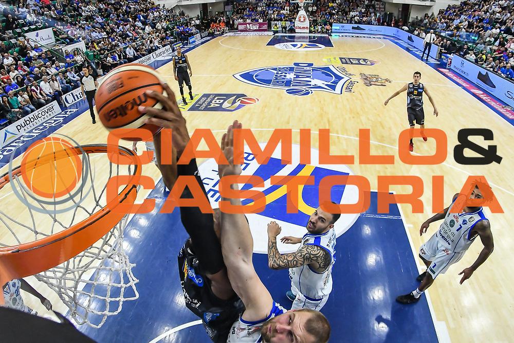Dominique Sutton<br /> Banco di Sardegna Dinamo Sassari - Dolomiti Energia Aquila Basket Trento<br /> Legabasket Serie A LBA Poste Mobile 2016/2017<br /> Playoff Quarti Gara3<br /> Sassari 16/05/2017<br /> Foto Ciamillo-Castoria