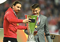 v.l. Zlatan Ibrahimovic, Marcos Rojo mit Pokal, Manchester Europa League Sieger 2017<br /> Stockholm, 24.05.2017, Fussball, Europa League, Finale 2017, Ajax Amsterdam - Manchester United 0:2<br /> norway only
