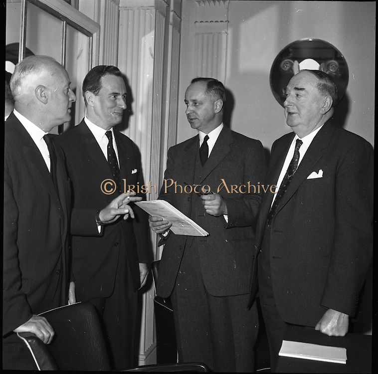 Peter Owens, N.C.R. District managers meeting at the Gresham Hotel.<br /> 24.04.1961
