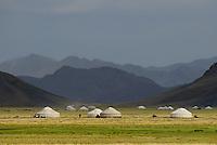 Mongolie. Province de Bayan Olgii. Campement de yourte. // Mongolia. Bayan Olgii province. Yurt camp.