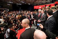 18 OCT 2008, BERLIN/GERMANY:<br /> Frank-Walter Steinmeier, SPD, Bundesaussenminister, Franz Muentefering, SPD, Parteivorsitzender, und und Hubertus Heil, SPD Generalsekretaer, (v.L.n.R.), mit Fotografen, Kameraleuten und dem Bergmannschor Essen zum Ende des Parteitages,  ausserordentlicher Bundesparteitag der SPD, Estrell Convention-Center<br /> IMAGE: 20081018-01-398<br /> KEYWORDS: Party Congress, Parteitag, Sonderparteitag, Franz Müntefering, Chor, Bergleute