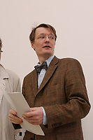 2003, BERLIN/GERMANY:<br /> Prof. Dr. Karl Lauterbach, Gesundheitsoekonom und Mitglied der Ruerup-Kommission, Pressekonferenz zur Vorstellung der Hypertonie-Studie, Bundesministerium fuer Gesundheit und Soziale Sicherung<br /> IMAGE: 20030423-01-003