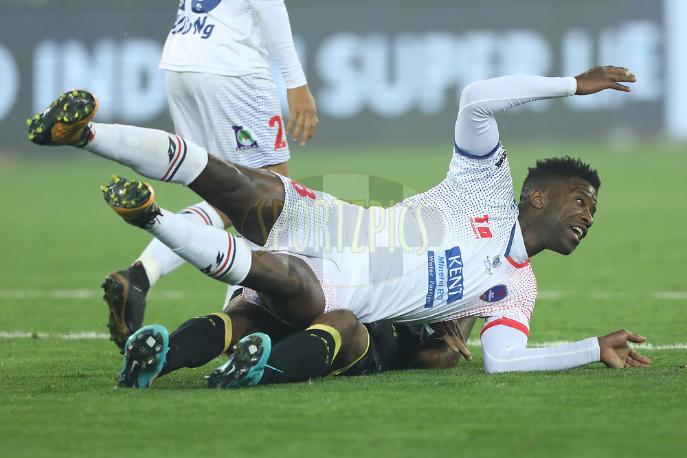 Guyon Louis Ursmarus Fernandez of Delhi Dynamos FC and Sandesh Jhingan of Kerala Blasters FC   in action  during match 43 of the Hero Indian Super League between Delhi Dynamos FC and Kerala Blasters FC  held at the Jawaharlal Nehru Stadium, Delhi, India on the 10th January 2018<br /> <br /> Photo by: Arjun Singh  / ISL / SPORTZPICS