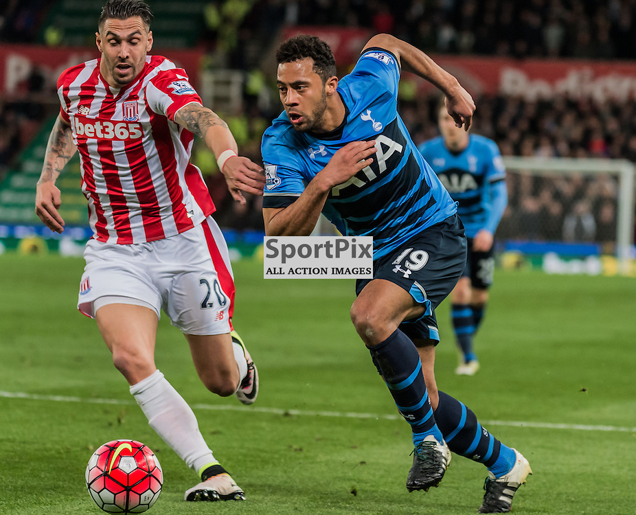 Stoke City defender Geoff Cameron (20) and Tottenham Hotspur midfielder Mousa Dembele (19) challenge for a loose ball in the Premier League match between Stoke City and Tottenham Hotspur <br /> <br /> (c) John Baguley   SportPix.org.uk