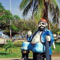 Escultura de Pirata, Paseo Colón, Puerto La Cruz, Anzoategui, Venezuela.