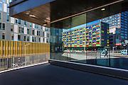 reflets de batiments du quartier Euralille // Euralille business buildings reflections