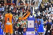 DESCRIZIONE : Eurocup 2013/14 Gr. J  BCM Gravelines Dunkerque - Dinamo Banco di Sardegna Sassari<br /> GIOCATORE : Marcus Lewis<br /> CATEGORIA : Schiacciata<br /> SQUADRA : BCM Gravelines Dunkerque<br /> EVENTO : Eurocup 2013/2014<br /> GARA : BCM Gravelines Dunkerque - Dinamo Banco di Sardegna Sassari<br /> DATA : 28/01/2014<br /> SPORT : Pallacanestro <br /> AUTORE : Agenzia Ciamillo-Castoria / Luigi Canu<br /> Galleria : Eurocup 2013/2014<br /> Fotonotizia : Eurocup 2013/14 Gr. J BCM Gravelines Dunkerque - Dinamo Banco di Sardegna Sassari<br /> Predefinita :