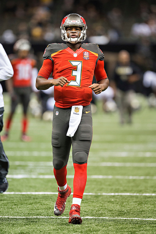 NEW ORLEANS, LA - SEPTEMBER 20:  Jameis Winston #3 of the Tampa Bay Buccaneers warming up before a game against the New Orleans Saints at Mercedes-Benz Superdome on September 20, 2015 in New Orleans Louisiana.  The Buccaneers defeated the Saints 26-19.(Photo by Wesley Hitt/Getty Images) *** Local Caption *** Jameis Winston