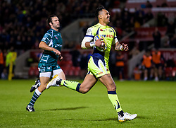 Denny Solomona of Sale Sharks breaks forward to score a try - Mandatory by-line: Matt McNulty/JMP - 15/09/2017 - RUGBY - AJ Bell Stadium - Sale, England - Sale Sharks v London Irish - Aviva Premiership