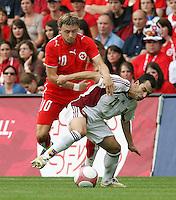 Fussball International Laenderspiel Schweiz - Venezuela Daniel GYGAX (SUI,li) gegen Ricardo PAEZ (VEN,re)