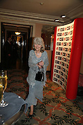 JILLY COOPER. Oldie magazine's Oldie of the Year Awards 2006. Simpson's. the Strand. London.21 March 2006.  ONE TIME USE ONLY - DO NOT ARCHIVE  © Copyright Photograph by Dafydd Jones 66 Stockwell Park Rd. London SW9 0DA Tel 020 7733 0108 www.dafjones.com