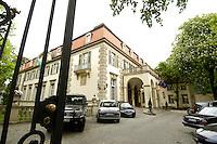 16 MAY 2006, BERLIN/GERMANY:<br /> Aussenansicht Schlosshotel im Grunewald<br /> IMAGE: 20065016-01-005