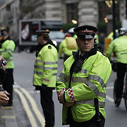 Xi Jinping protesters arrested and homes searched over London demonstrations | World news | The Guardian http://www.theguardian.com/uk-news/2015/oct/23/activists-condemn-arrest-tibetan-pair-waving-flag-xi-jinping-met-police-chinese-president