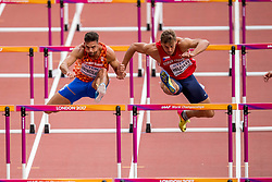 12-08-2017 IAAF World Championships Athletics day 9, London<br /> Met een tijd van 14,32 seconden noteerde Eelco Sintnicolaas NED (tienkamp) de zevende tijd op de 110 meter horden. Rechts Adam Sebastian Helcelet CZE