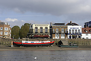 London GREAT BRITAIN, General Views,  The Rutland and Blue Anchor, Hammersmith, River Thames, [Photo, Peter Spurrier/Intersport-images] ..