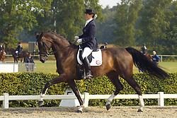 Zweistra Thamar-Hexagon's Roumanda<br /> KWPN Paardendagen Ermelo 2003<br /> Photo © Dirk Caremans