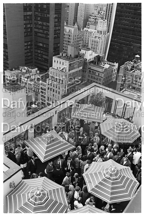 29 June, June 18 1992 Peninsula Hotel, 700 5th Ave, Kips bay Boys and Girls Club Benefit party on roof. © Copyright Photograph by Dafydd Jones 66 Stockwell Park Rd. London SW9 0DA Tel 020 7733 0108 www.dafjones.com