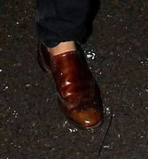 15.JANUARY.2007. LONDON<br /> <br /> PETE DOHERTY ARRIVING AT KATE MOSS'S HOUSE AT 2.30AM AFTER PERFORMING AT HIS GIG IN ARCHWAY.  PETE HAS NO SOCKS ON AND IS CARRYING AROUND A PETROL CAN AMPLIFIER.<br /> <br /> BYLINE: EDBIMAGEARCHIVE.CO.UK<br /> <br /> *THIS IMAGE IS STRICTLY FOR UK NEWSPAPERS AND MAGAZINES ONLY*<br /> *FOR WORLD WIDE SALES AND WEB USE PLEASE CONTACT EDBIMAGEARCHIVE - 0208 954 5968*