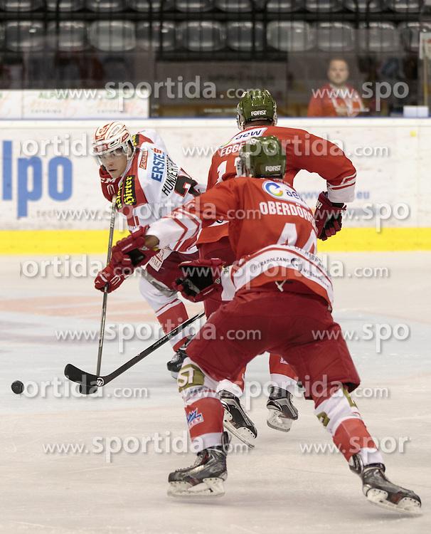 04.10.2015, Eiswelle, Bozen, ITA, EBEL, HCB Suedtirol vs EC KAC, 8. Runde, im Bild v.l. Thomas Hundertpfund (EC KAC), Alexander Egger (HCB Suedtirol), Hannes Oberdoerfer (HCB Suedtirol) // during the Erste Bank Icehockey League 8th round match between HCB Suedtirol and EC KAC at the Eiswelle in Bozen, Italy on 2015/10/04. EXPA Pictures © 2015, PhotoCredit: EXPA/ Johann Groder