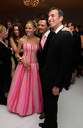 Sienna Miller , Matthew Williamson and Joseph Allosa. The Moet & Chandon Fashion Tribute 2005 to Matthew Williamson,  Old Billingsgate market, London. 16th February 2005. ONE TIME USE ONLY - DO NOT ARCHIVE  © Copyright Photograph by Dafydd Jones 66 Stockwell Park Rd. London SW9 0DA Tel 020 7733 0108 www.dafjones.com