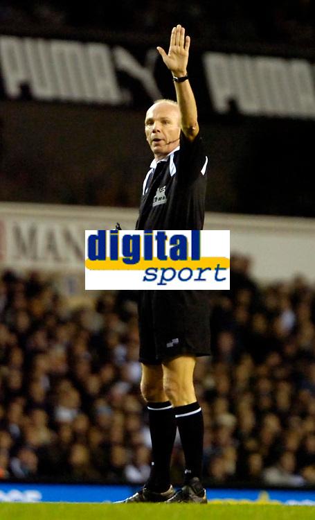 Photo: Ed Godden/Sportsbeat Images.<br /> Tottenham Hotspur v Newcastle United. The Barclays Premiership. 14/01/2007. Referee S Bennett.