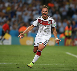 13.07.2014, Maracana, Rio de Janeiro, BRA, FIFA WM, Deutschland vs Argentinien, Finale, im Bild Mario Goetze (GER) bejubelt seinen Treffer zum 1:0 Endstand // during Final match between Germany and Argentina of the FIFA Worldcup Brazil 2014 at the Maracana in Rio de Janeiro, Brazil on 2014/07/13. EXPA Pictures © 2014, PhotoCredit: EXPA/ Eibner-Pressefoto/ Cezaro<br /> <br /> *****ATTENTION - OUT of GER*****