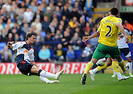 Picture by Chris Donnelly/Focus Images Ltd. 07500 903009 .17/9/11.Chris Eagles of Bolton comes close to scoring during the Barclays Premier League match at Reebok stadium, Bolton.